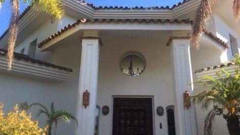 Villa de 4 dormitorios en venta en Puerto Banús – R2772989 en