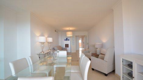 2 bedroom Apartment for sale in Elviria – R3270730 in
