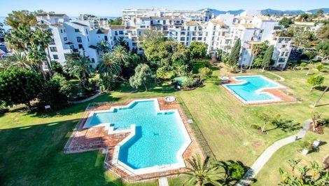 Apartamento de 3 dormitorios en venta en Puerto Banús – R3456292 en