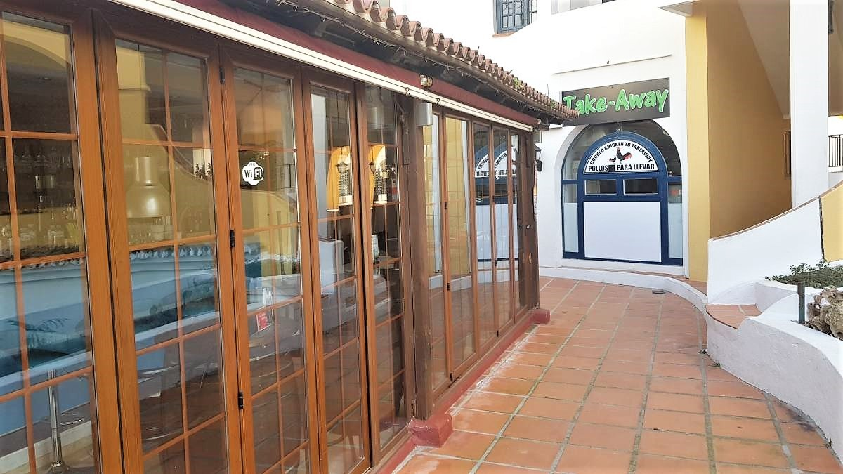 Commercial for sale in Cabopino – R3102556