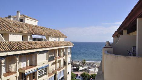 2 bedroom Penthouse for sale in Estepona – R3043841