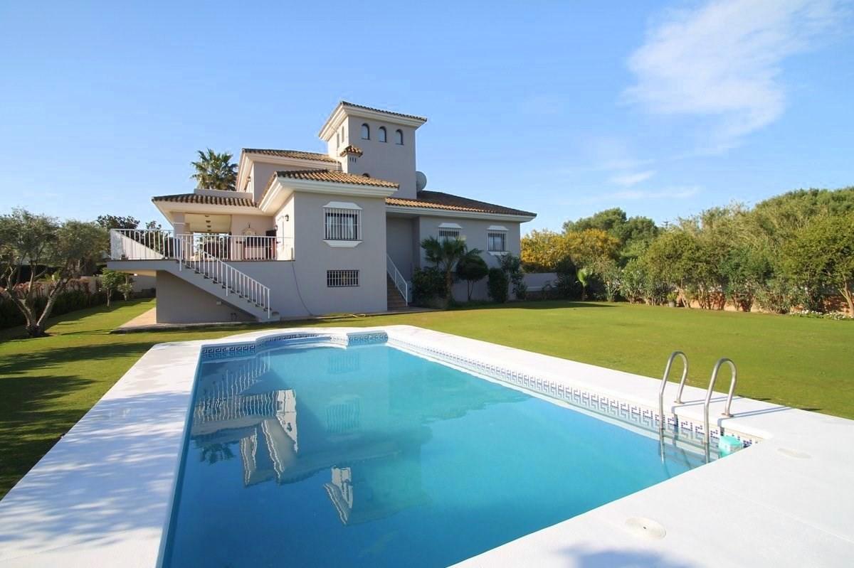 4 bedroom Villa for sale in Sotogrande Costa – R2871512