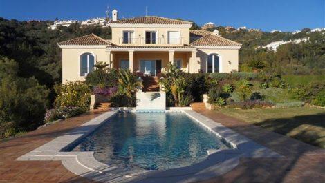 Villa de 4 dormitorios en venta en Los Monteros – R1934523 en
