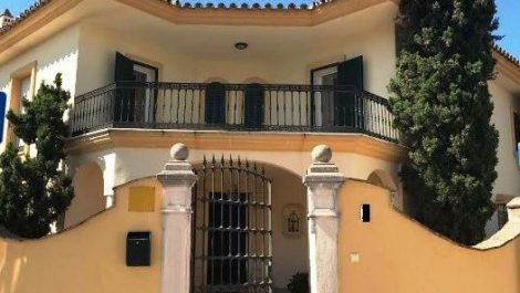 5 bedroom Villa for sale in Guadalmina Baja – R2922383 in