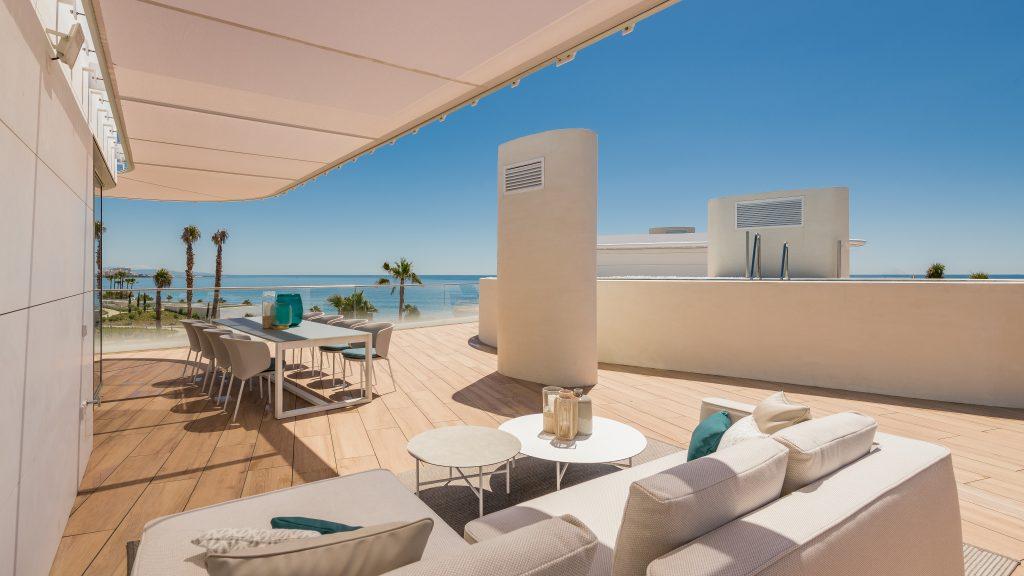 Frontline-beach-penthouse