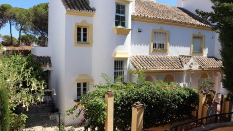 4 bedroom Townhouse for sale in Elviria – R3463687