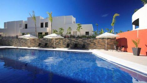 Apartamento de 3 dormitorios en venta en Los Monteros – R3252547 en