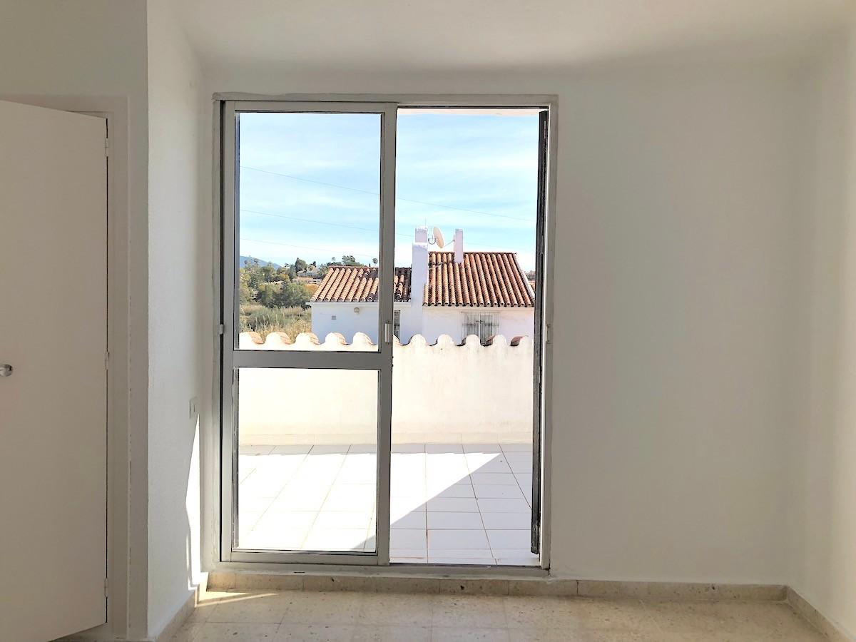 6 bedroom Townhouse for sale in Estepona – R3135805