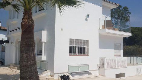 Villa de 5 dormitorios en venta en Puerto Banús – R3484942 in