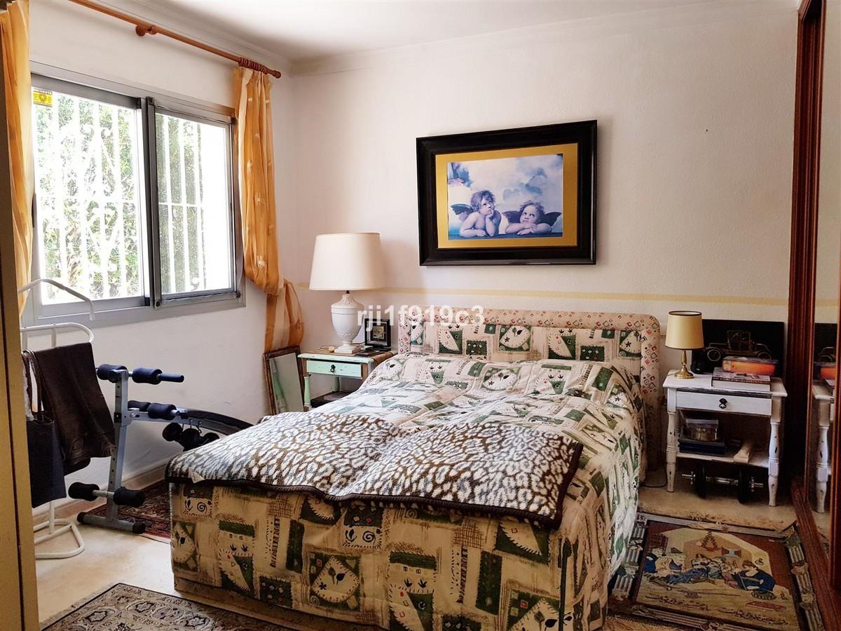 3 bedroom Villa for sale in Elviria – R3418861