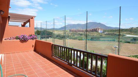 Atico de 3 dormitorios en venta en Estepona – R3196342