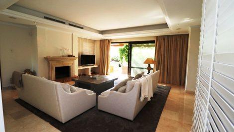 4 bedroom Semi-detached for sale in Sierra Blanca – R3188410 in