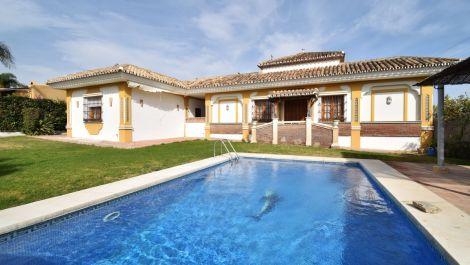 Villa de 3 dormitorios en venta en Guadalmina Alta – R3369328 en