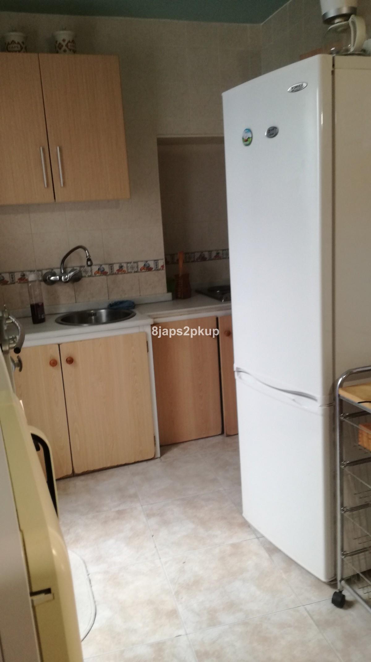 2 bedroom Townhouse for sale in Estepona – R3382021