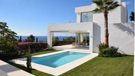 Villa de 3 dormitorios en venta en Río Real – R3036086