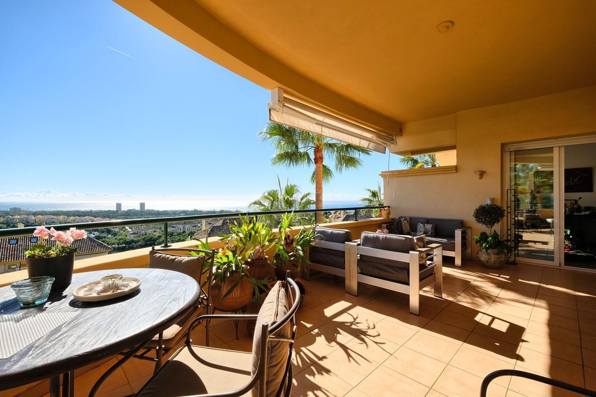 1 bedroom Penthouse for sale in Benahavis – R3066490
