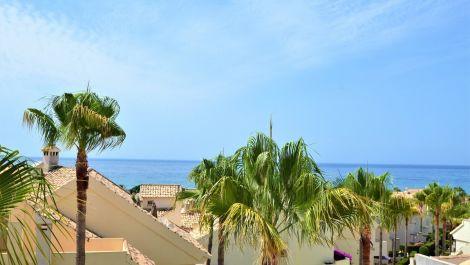 Adosado de 5 dormitorios en venta en Las Chapas – R3465802 en