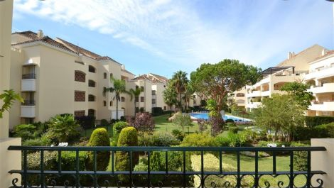 2 bedroom Apartment for sale in Elviria – R2511896
