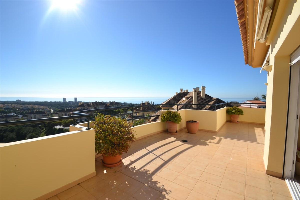 3 bedroom Penthouse for sale in Elviria Hills – R3353458
