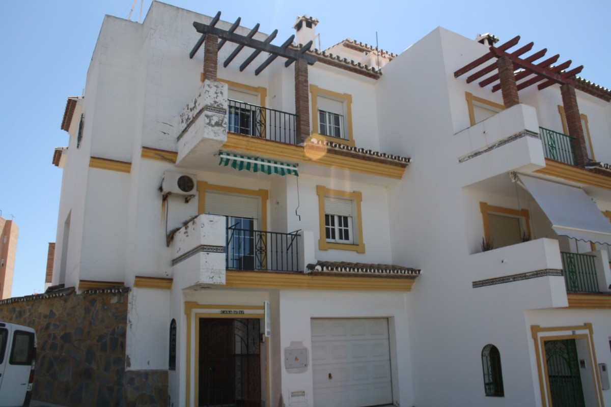 4 bedroom Townhouse for sale in Estepona – R3217192