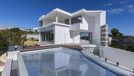 Luxury 5 bedroom villa in Santa Clara in