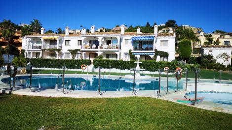 Apartamento de 4 dormitorios en venta en Benahavís – R3526216