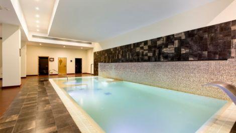 Apartamento de 2 dormitorios en venta en Estepona – R3522271