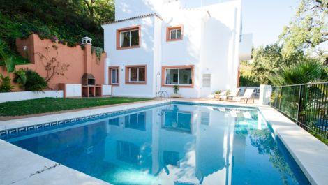4 bedroom Villa for sale in La Mairena – R2351930 in