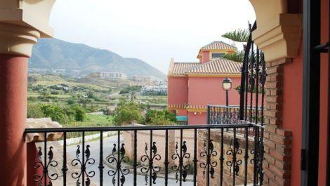 Villa de 3 dormitorios en venta en – R2896895