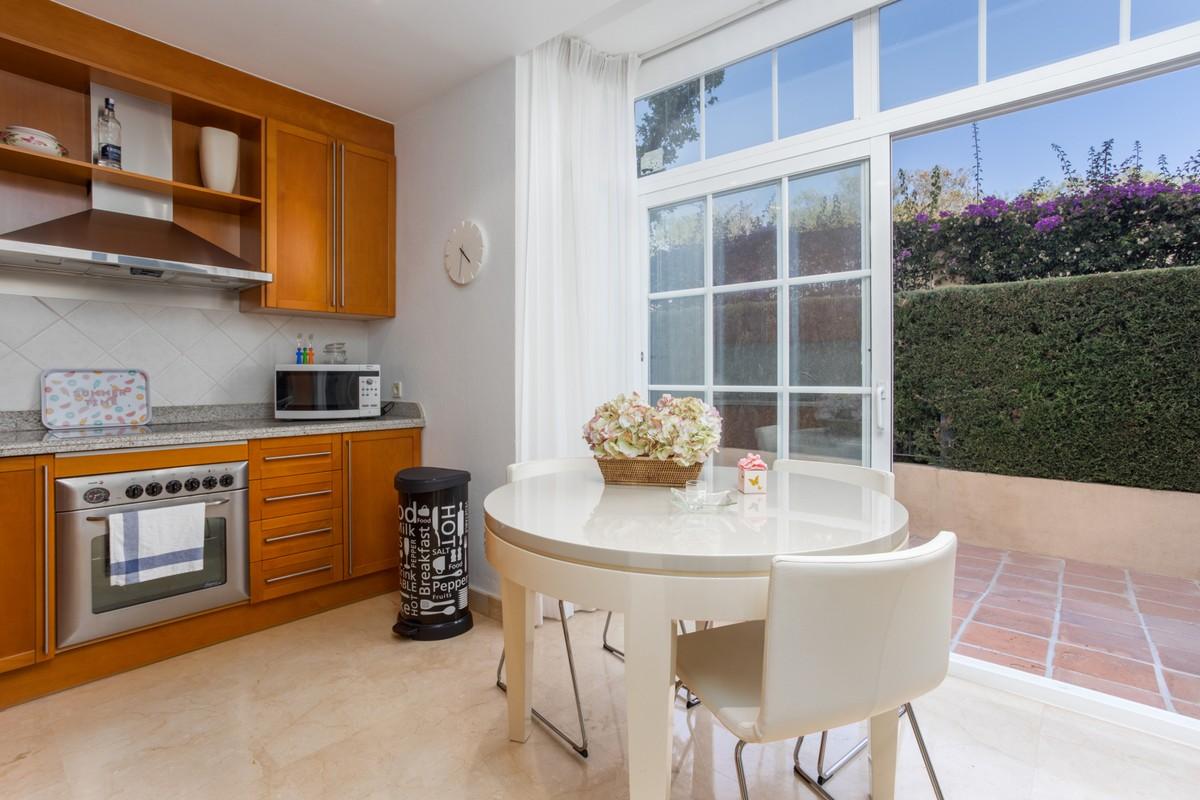 Apartamento de 2 dormitorios en venta en Río Real – R3522085