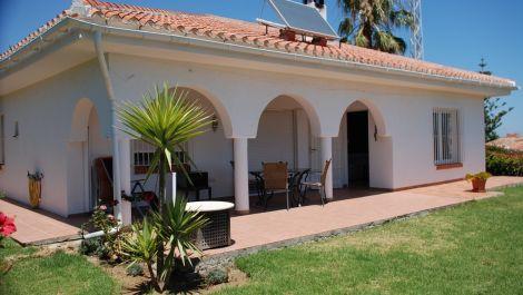 2 bedroom Villa for sale in Estepona – R3213358