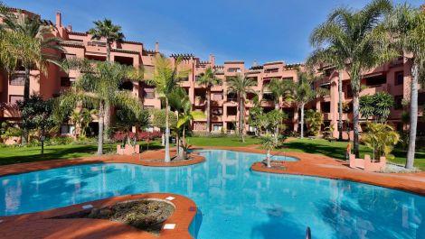 2 bedroom Apartment for sale in Los Monteros – R2765264 in