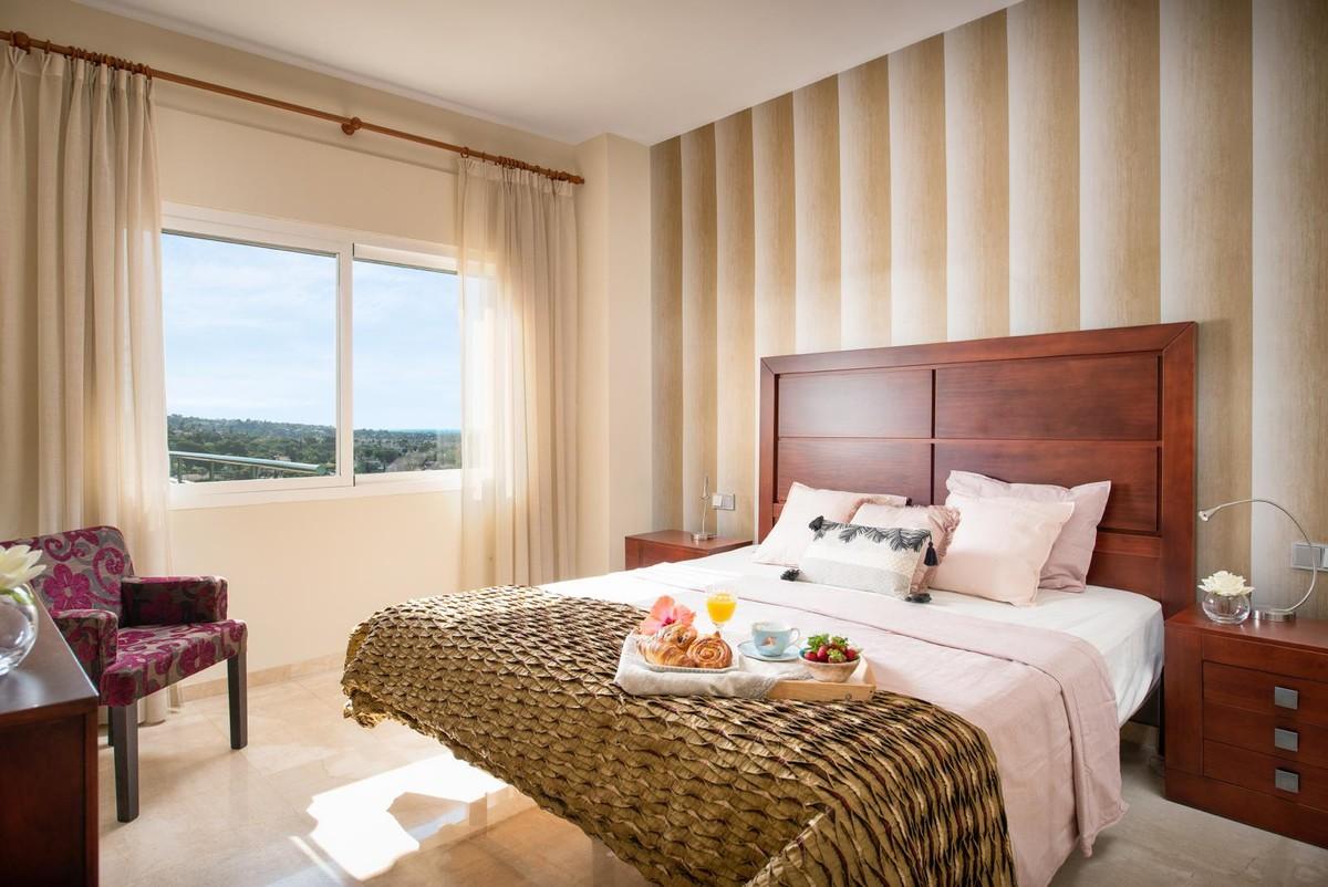 3 bedroom Apartment for sale in Elviria Hills – R3501307