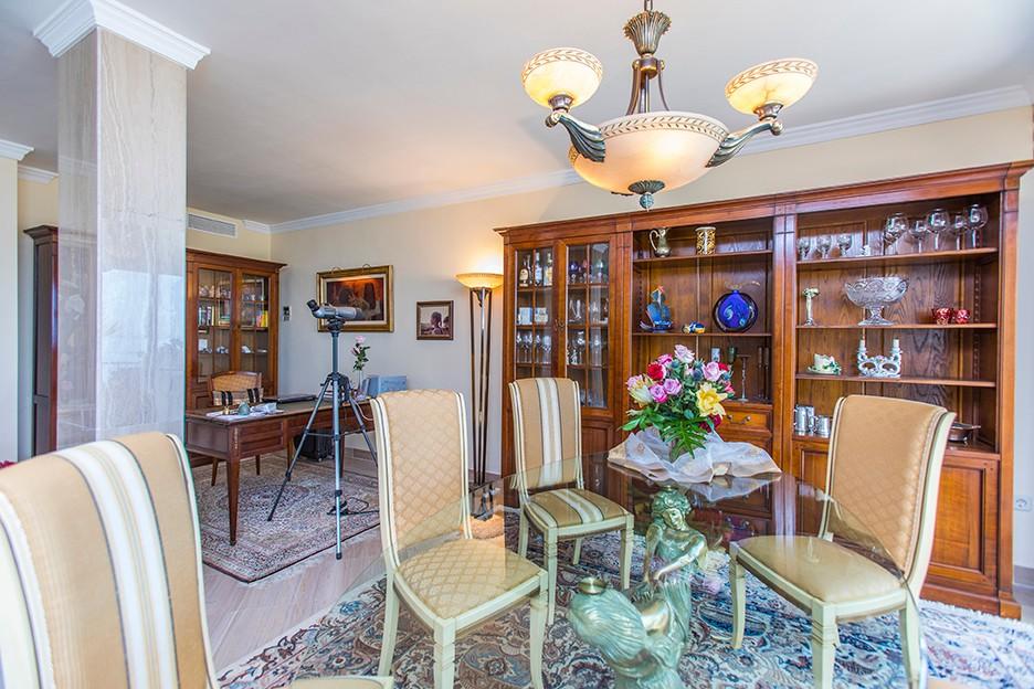 Atico de 3 dormitorios en venta en Elviria – R3262951