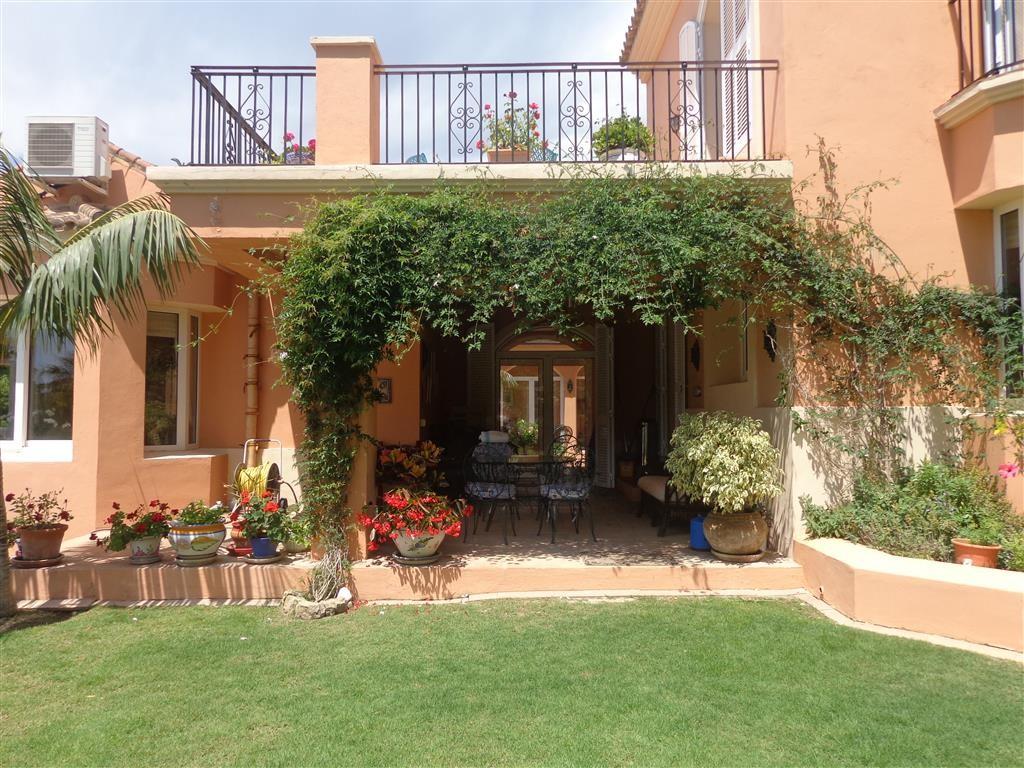 Villa de 5 dormitorios en venta en Sotogrande Alto – R3210325
