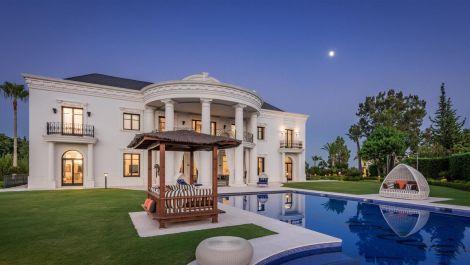 7 bedroom Villa for sale in Las Chapas – R3061303