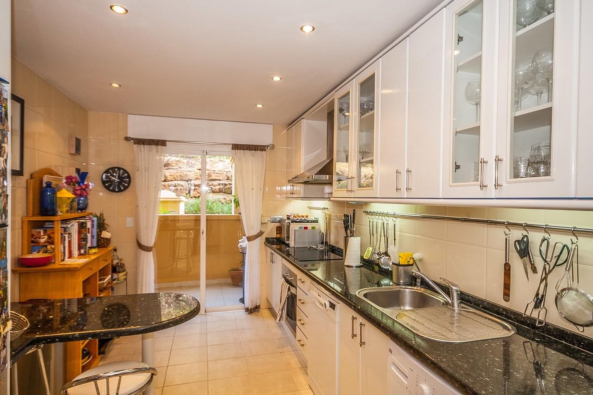 3 bedroom Apartment for sale in Elviria Hills – R3513232