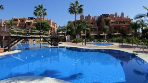 Apartamento de 2 dormitorios en venta en Hacienda del Sol – R3382237 en