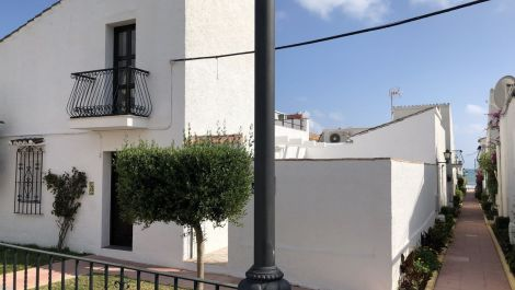 2 bedroom Townhouse for sale in Estepona – R3266827