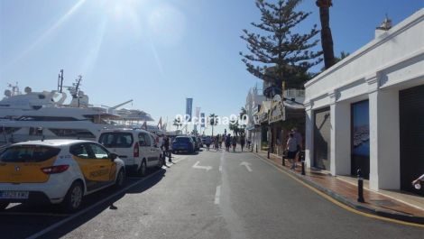 Commercial for sale in Puerto Banús – R3527953