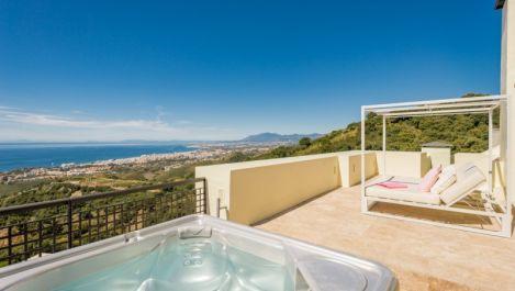 4 bedroom Penthouse for sale in Altos de los Monteros – R3405253 in