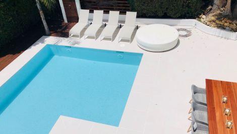 Villa de 4 dormitorios en venta en Puerto Banús – R3478021 en