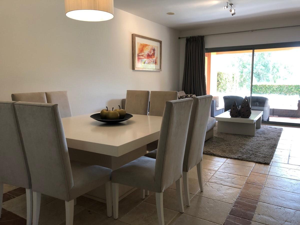 Apartamento de 2 dormitorios en venta en Benahavís – R3525061