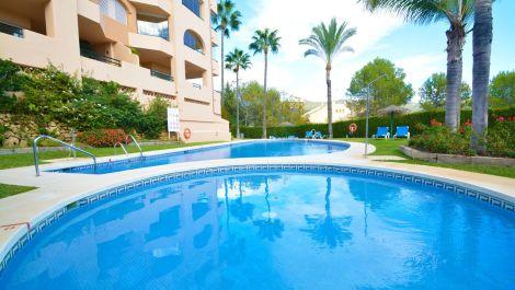 3 bedroom Penthouse for sale in Elviria – R3540763 in