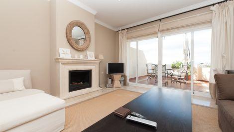 2 bedroom Penthouse for sale in Elviria – R3255151