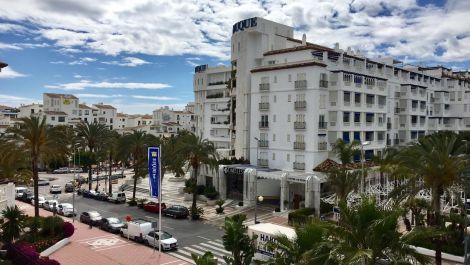 2 bedroom Apartment for sale in Puerto Banús – R2914391 in