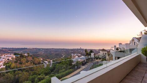 3 bedroom Penthouse for sale in Altos de los Monteros – R3466591 in