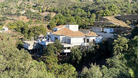 Villa de 6 dormitorios en venta en La Zagaleta – R3552286 en