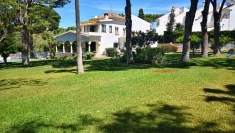 4 bedroom Villa for sale in Costabella – R3437167 in