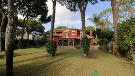 Villa de 5 dormitorios en venta en Las Chapas – R3551866 en
